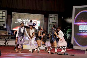 Video: Lil Win performs Mama Boss Papa with Akrobeto at Ghana Meets Naija '17